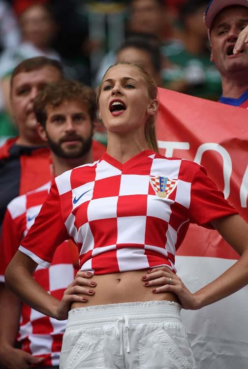 croatian-cheerleaders-girls-17.jpg