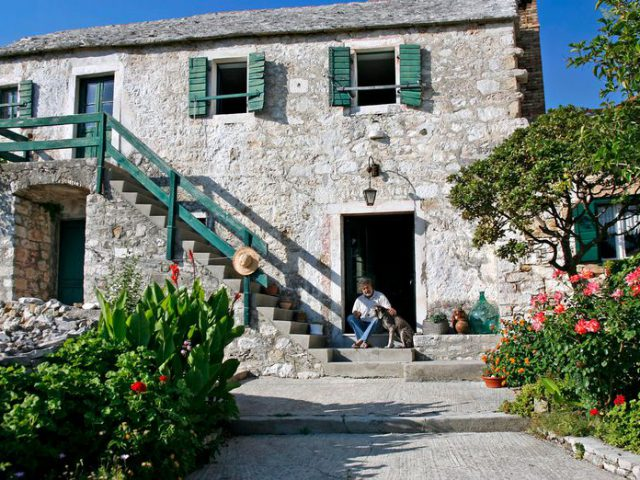 The Amazing Stone House of Brac