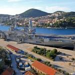 Dubrovnik, 22.11.2014 - Nosac zrakoplova Cavour vrijedan milijardu i pol eura uplovio u luku Gruz
