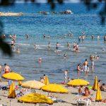 Split, 06.06.2014 - Prave ljetne temperature napunile plazu Bacvice