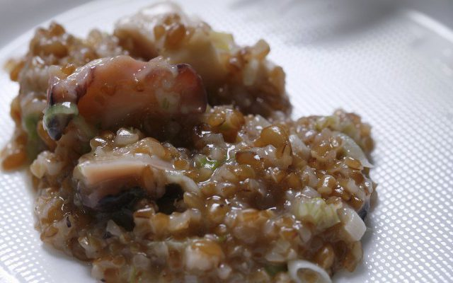 Broken Wheat Grains with Smoked Prawns, Mussels and Octopus Recipe