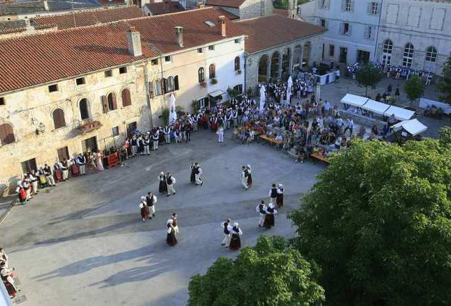 Dancing on Istrian Square
