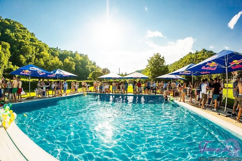 Fantasy Pool Party #5