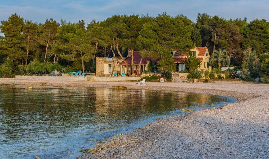 Beach House- Fisherman House (2)