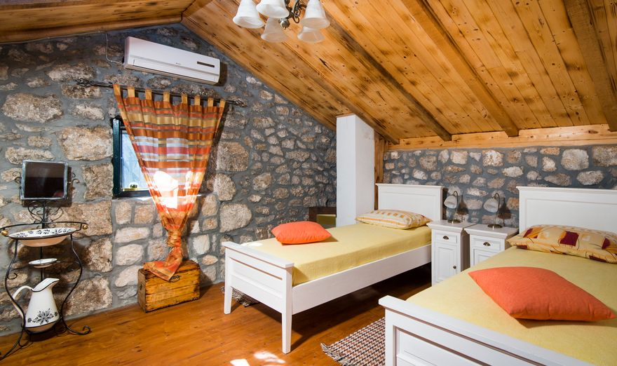 Vrgorac Stone House (5)
