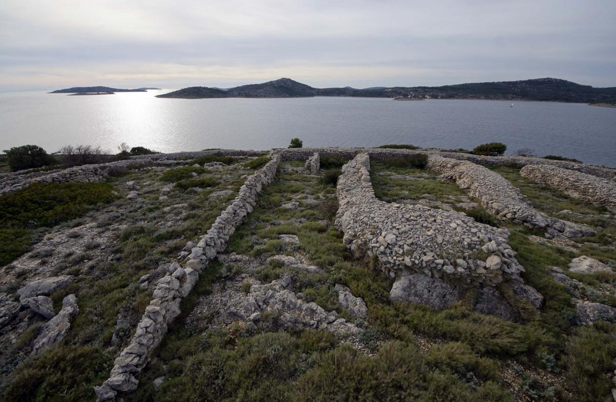 baljenac-island-jadran-kale-hanza-media